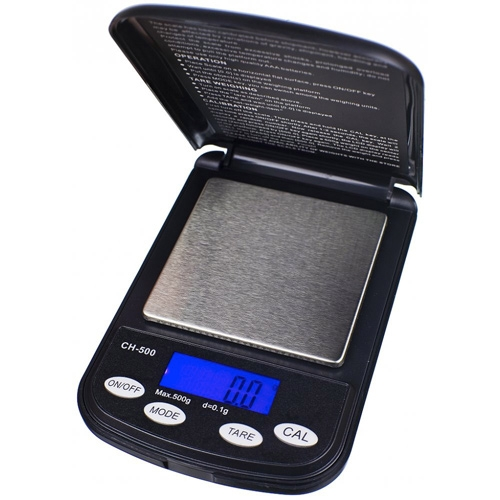 La bilancia tascabile On Balance Champion pesa 500 g con un'accuratezza di 0,01 g